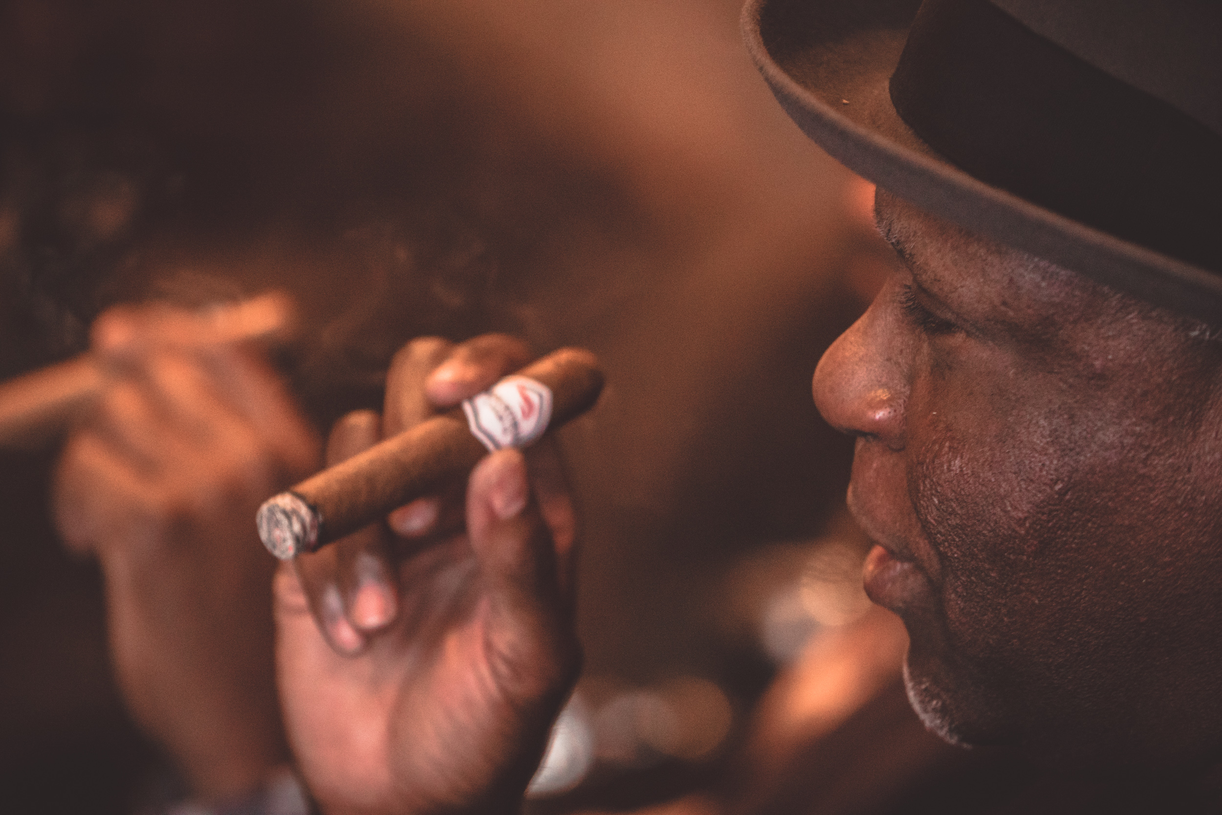 CIGARS 101 – A COMPLETE GUIDE TO THE BASICS BY TALES FROM THE LOUNGE